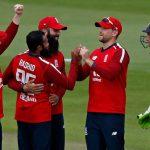 दोस्रो एक दिवसीय क्रिकेटमा इङ्ल्याण्ड संग  अस्ट्रेलिया २४ रनले पराजित